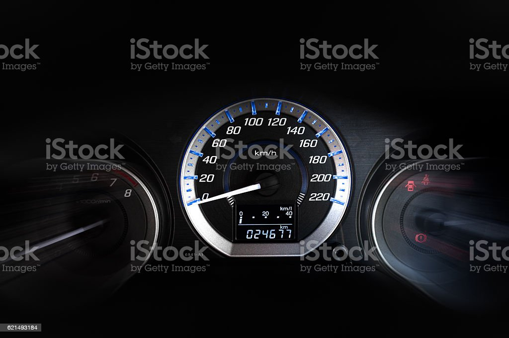 detail with the gauges on the dashboard of a car foto stock royalty-free