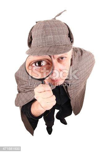 ... Detective Sherlock Holmes Indagare Con Lente Di Ingrandimento -  Fotografie stock e altre immagini di 2015 9f29478261af