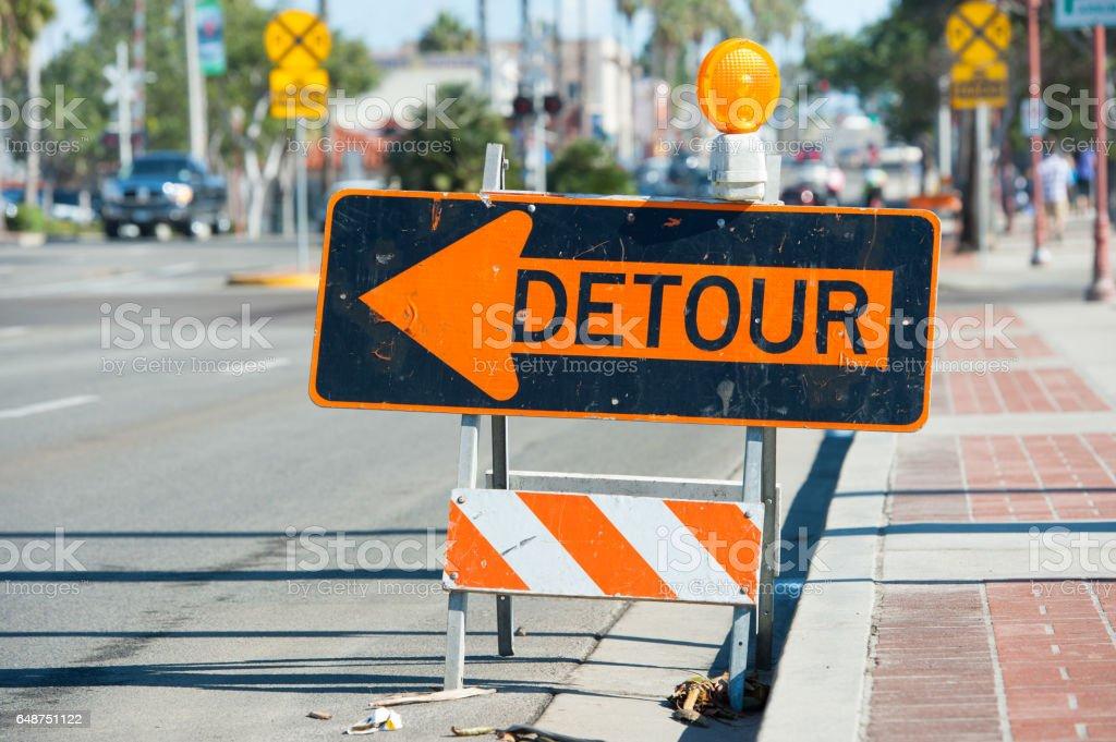 Sinal de desvio, Califórnia - foto de acervo