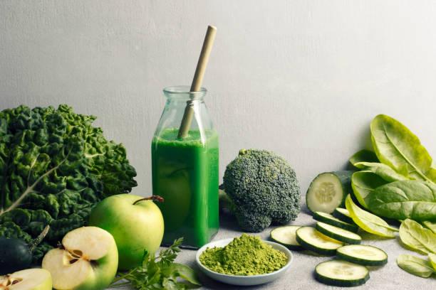 Detox-Diät mit grünem Smoothie – Foto