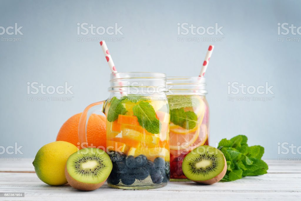 Detox drinks with fresh fruits foto stock royalty-free