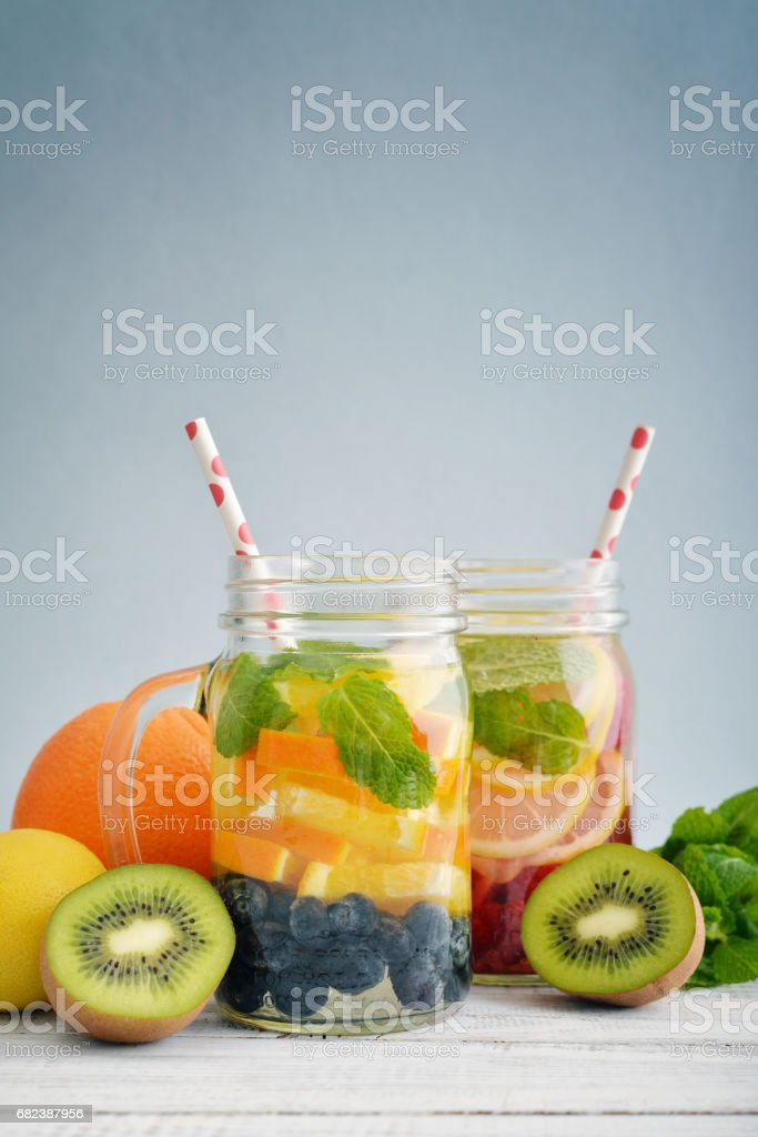 Detox drinks with fresh fruits royalty free stockfoto