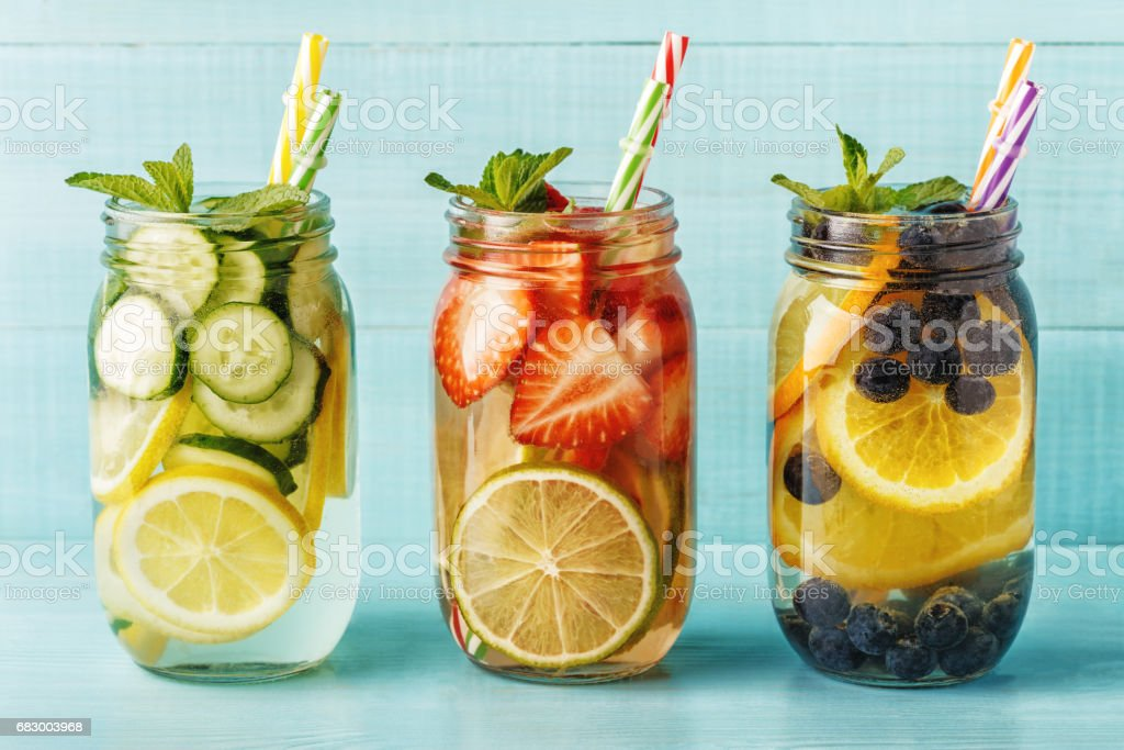 Detox fruit infused water. foto de stock royalty-free
