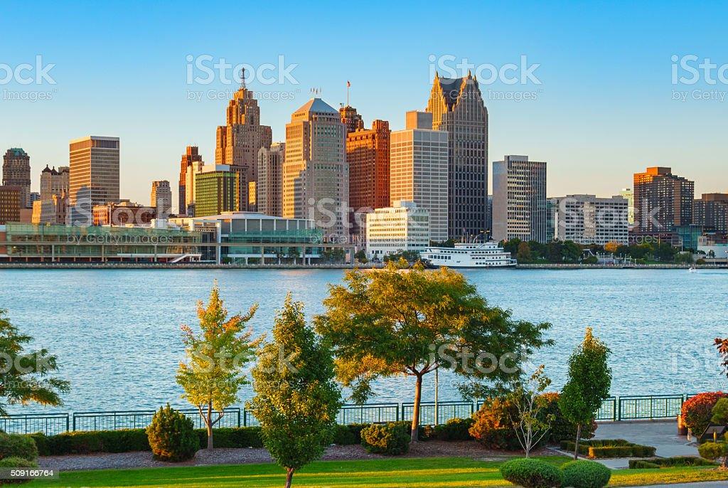 Detroit Michigan Und Detroit Fluss Stock-Fotografie und mehr Bilder ...