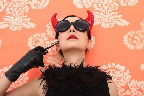 devil selbstmord - coole halloween kostüme stock-fotos und bilder