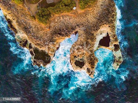 Devil's Tears Bay in Nusa Lembongan - Indonesia