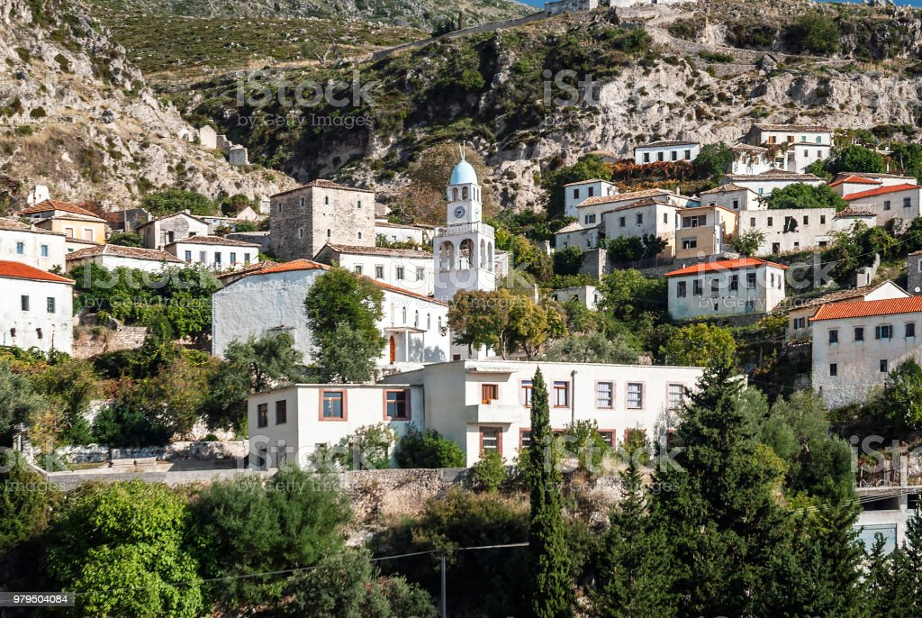 dhermi traditional albanian village view in southern albania – zdjęcie