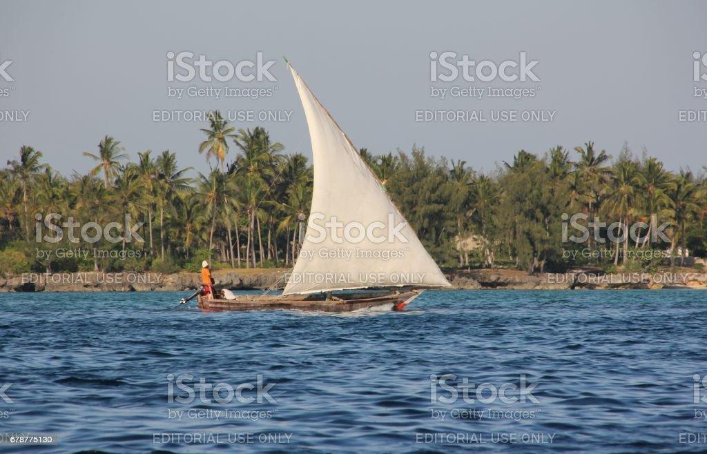Boutre à la côte de Kizimkazi, île de Zanzibar (Tanzanie), l'océan Indien, l'Afrique photo libre de droits