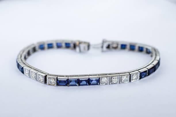 diamanten und saphir armband mit 14 kt weißgold - armband vintage stock-fotos und bilder
