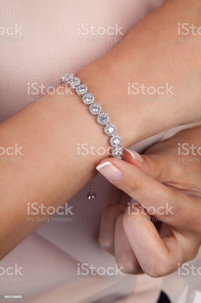 Diamant Armband Geschenk für Frauen - Lizenzfrei Accessoires Stock-Foto
