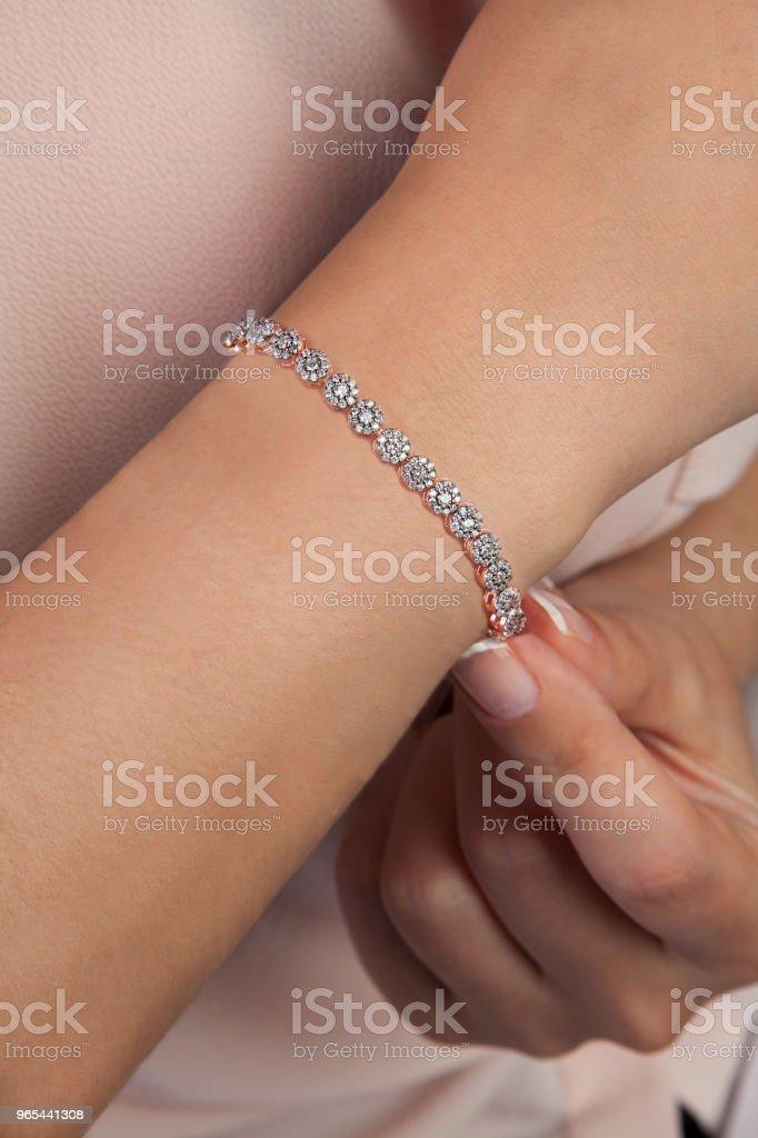 Diamant Bracelet Bijoux photographie sur modèle - Photo de A la mode libre de droits