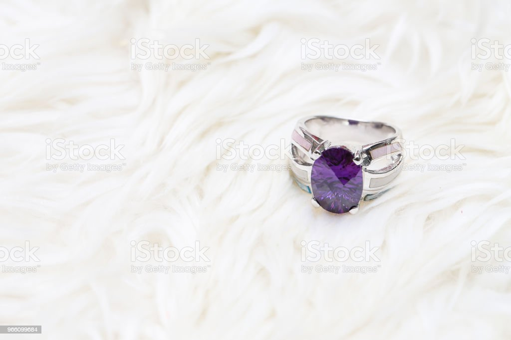 diamond ring and purple gemstone - Royalty-free Ametista Foto de stock