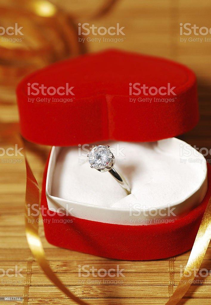 Pierścionek z brylantem dla miłośników zbiór zdjęć royalty-free
