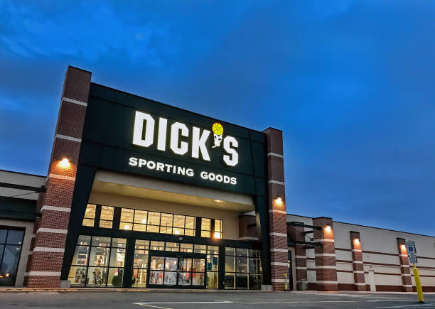 Dick's Sporting Goods South Plainfield, NJ, 02/17/2018: The entrance to a Dick's Sporting Goods store. Dick stock pictures, royalty-free photos & images