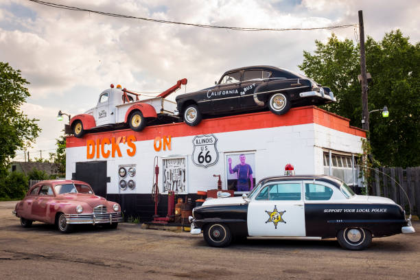 Dick's Towing roadside attraction in the US Route 66 in Joliet, Illinois, USA Joliet, Illinois, USA - July 5, 2014: Dick's Towing roadside attraction in the US Route 66 in Joliet, Illinois, USA Dick stock pictures, royalty-free photos & images