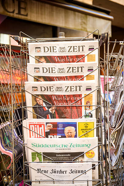 die zeit, bild, suddeutsche zeitung, neue burcher zeitung - donald trump us president стоковые фото и изображения