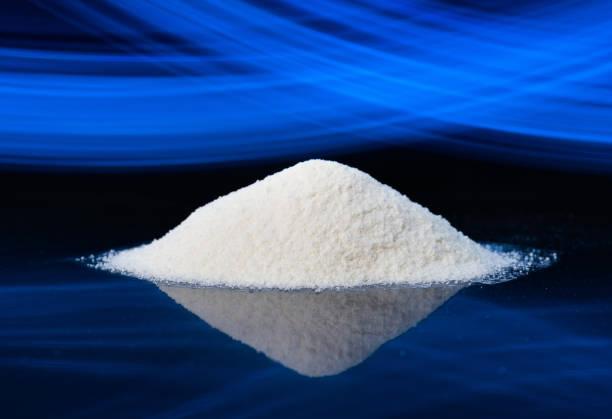diät-ergänzung, glucosamin, fruktose, dextrose oder spirulina-extrakt. könnte auch eine sport-ergänzung wie lysin, guarana, valin oder protein pulver. - dextrose stock-fotos und bilder