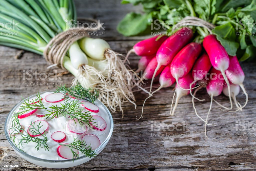 Dietary cottage cheese with radish, healthy eating, vegetarian diet concept foto de stock royalty-free