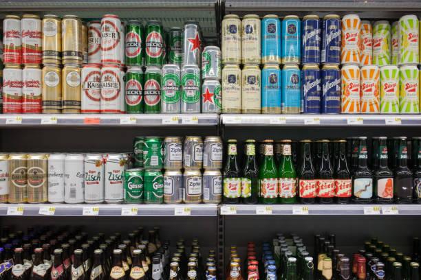 Verschiedene Biere in einem Markt – Foto