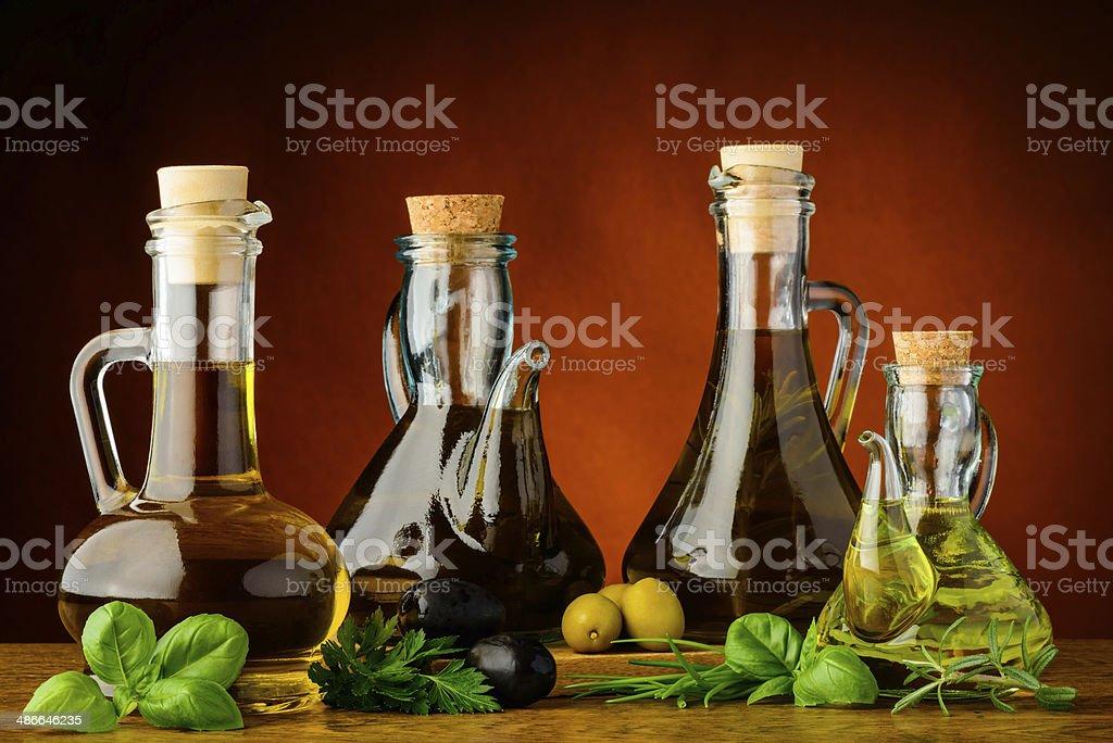 Verschiedene Flaschen, das Olivenöl – Foto