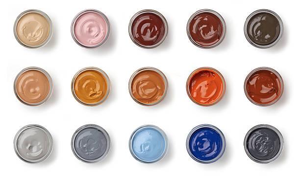 andere farbe schuh grease gläser - malerei schuhe stock-fotos und bilder