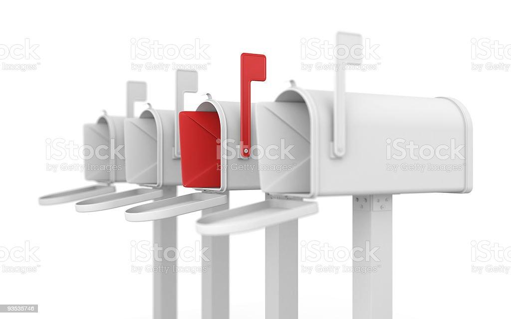 Anderes Konzept. Briefkasten mit Umschlag. – Foto
