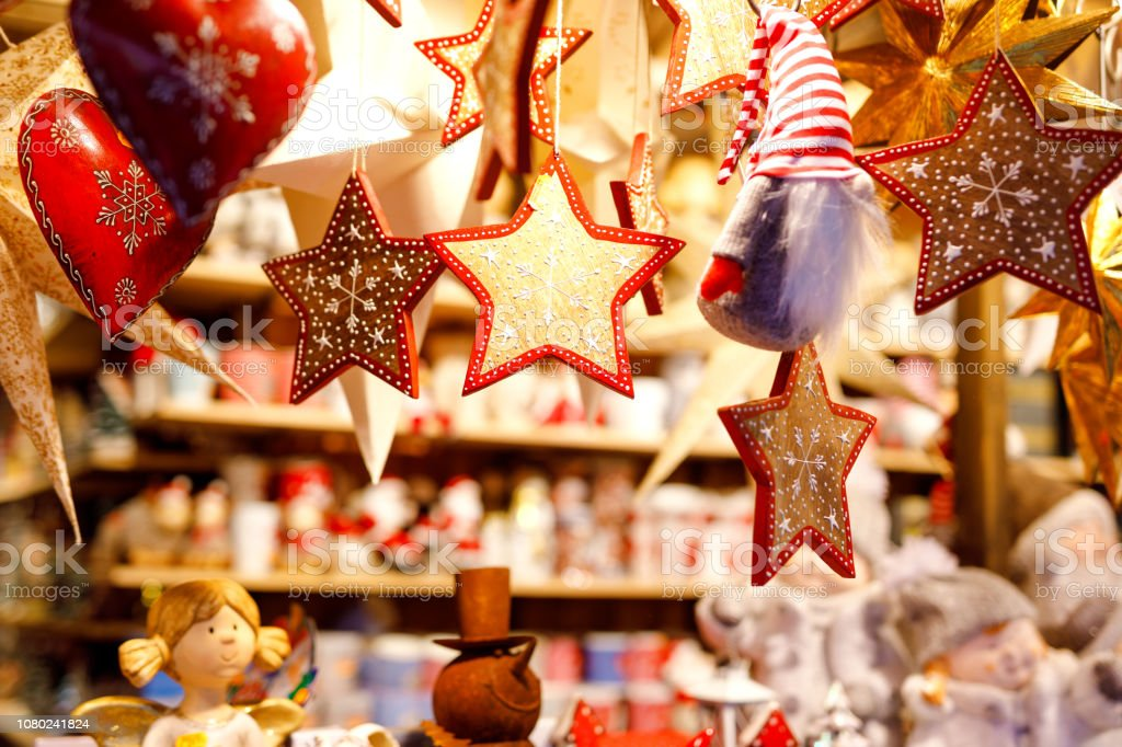 Different decoration, toy for xmas tree on christmas market, close up of cozy handmade hearts - Royalty-free Beauty Stock Photo