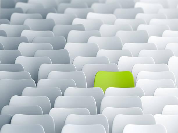 verschiedene grüne stuhl - stuhl neu gestalten stock-fotos und bilder
