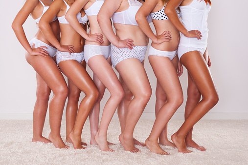 Different Silhouette Of Young Women 照片檔及更多 一起 照片