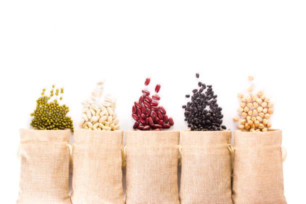 Diferentes tipos de granos - foto de stock