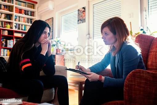 istock Difficult discussions 1143489126
