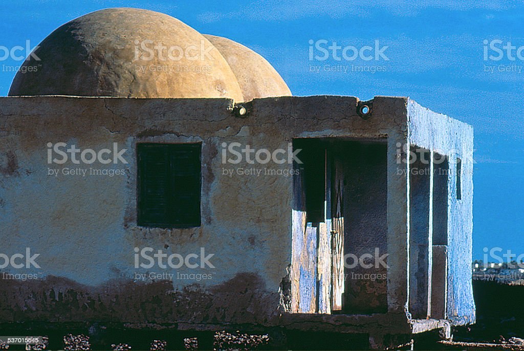 édifice abandonné à Djerba stock photo