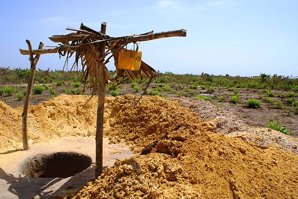digging a well in Africa foto