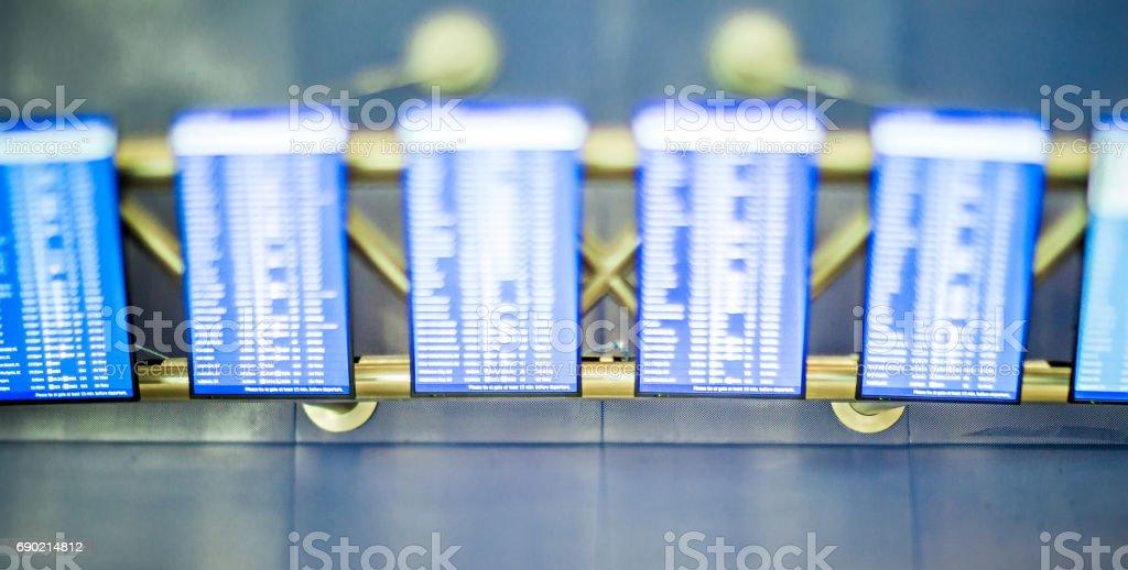 digitalen Flughafen Fluginformationen flip Board Bildschirme – Foto