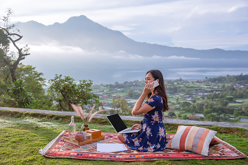 Digital Nomad Working Remotely in Asia