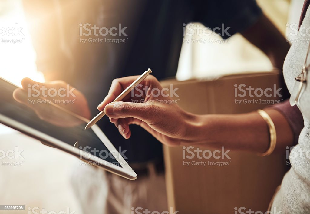 Digital signatures are the way to go - Royalty-free Afrikaanse etniciteit Stockfoto