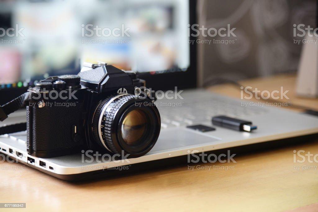 Digital Studio Photography Workstation Retro Film Dslr Camera Laptop