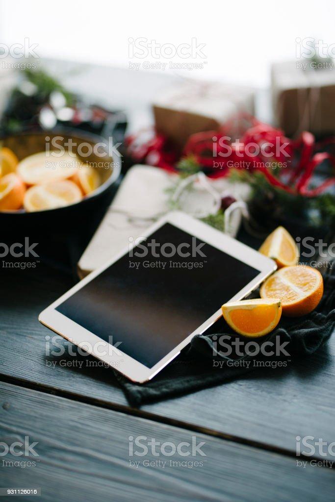 Noel hediyesi olarak dijital tablet - Royalty-free 2018 Stok görsel