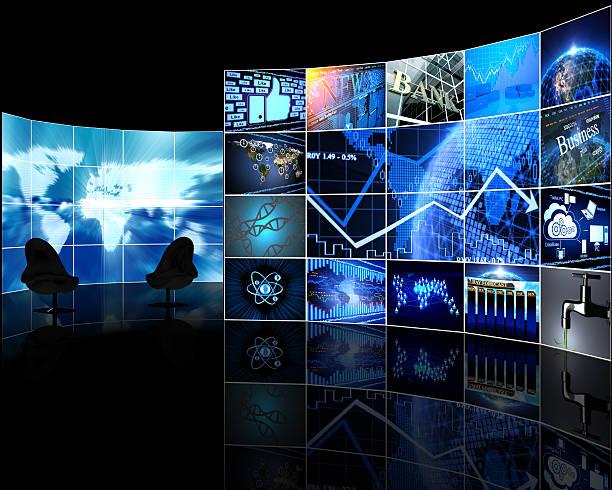 Video wall de pantallas digitales - foto de stock