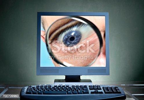 1054713428 istock photo Digitale Überwachung 700709960