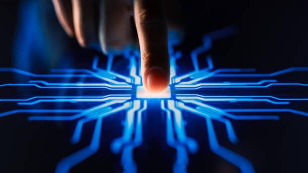 digitalisierungskonzept: mensch drückt touchscreen-taste und aktiviert futuristische künstliche intelligenz. visualisierung von machine learning, ai, computer technology merge with humanity - anfang stock-fotos und bilder