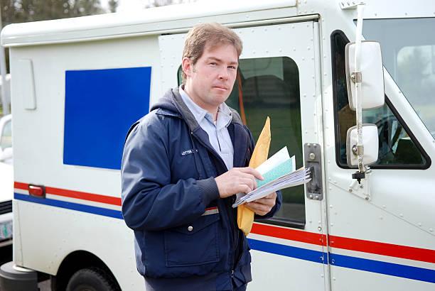 dilevering почты - postal worker стоковые фото и изображения