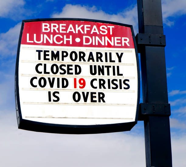 Diner restaurant closed sign for Covid 19 crisis Corona Virus Covid19 C19 is over Diner restaurant closed sign for Covid 19 crisis Corona Virus Covid19 C19 is over Anglo American stock pictures, royalty-free photos & images