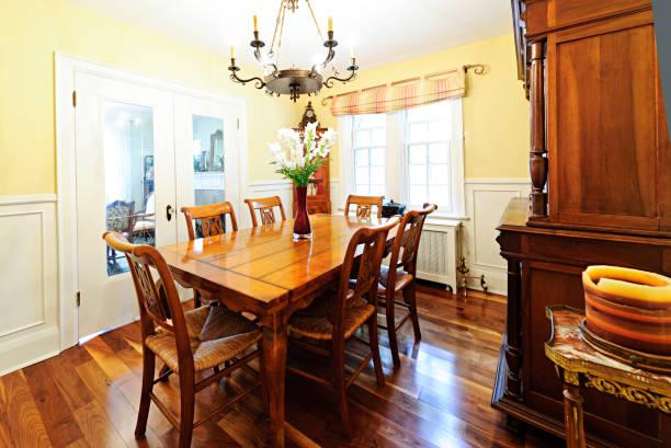 dining room – einrichtung - esszimmer buffet stock-fotos und bilder