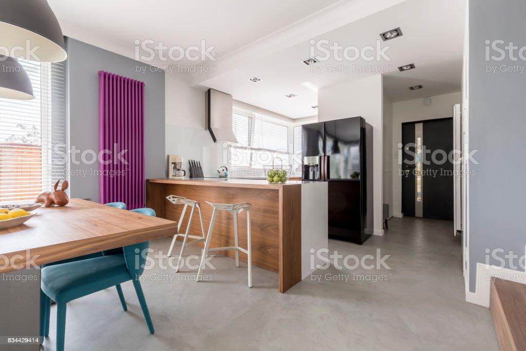 Esszimmer, Küche und Eingang – Foto