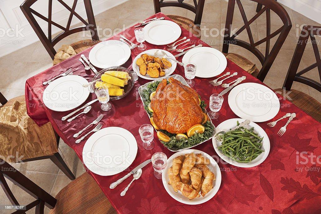 Esstisch Mit Weihnachten Türkei Abendessen Und Beilagen - Stockfoto ...