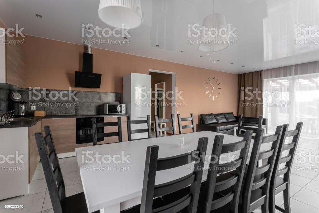 Photo Libre De Droit De Table A Manger Pour 10 Personnes Interieur