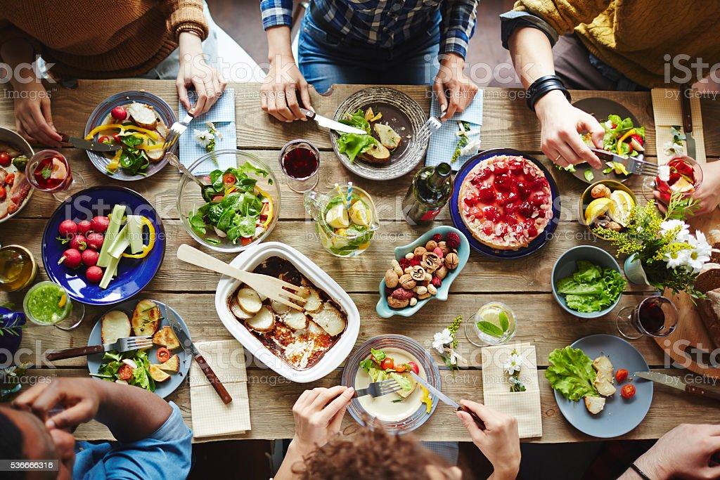 Mesa de jantar  - foto de acervo