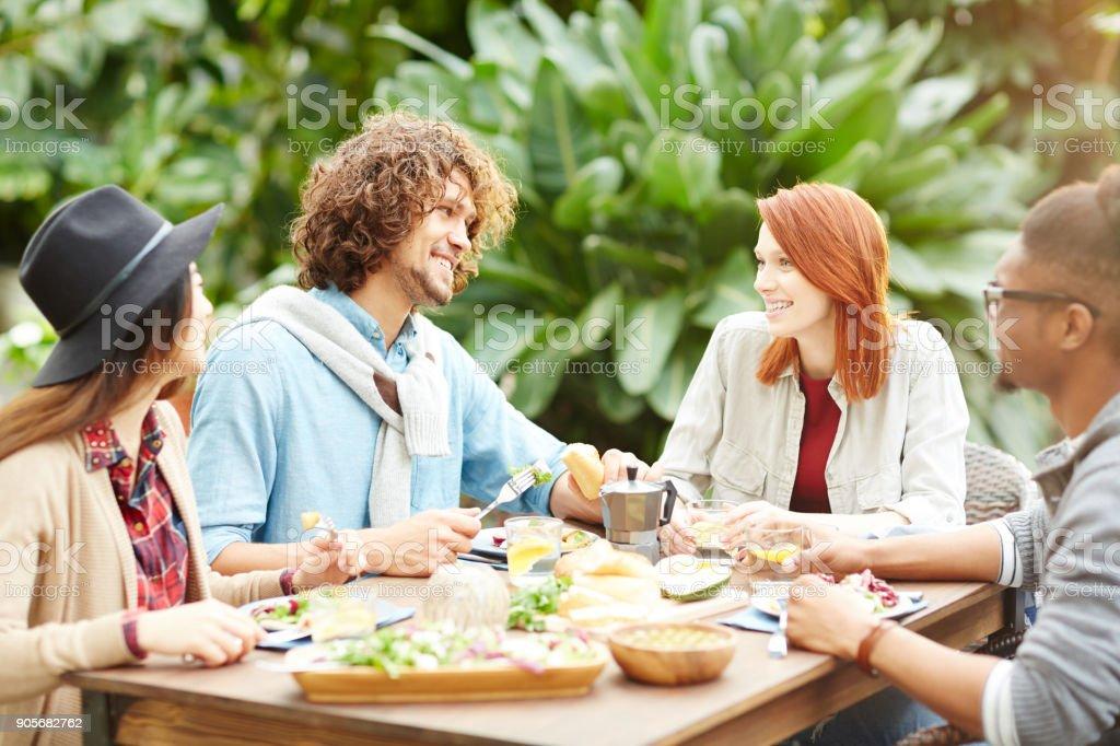 Abendessen mit Freunden – Foto