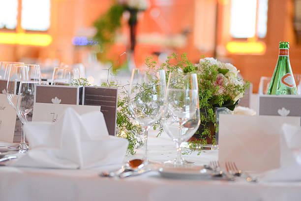 Dinner Table Decoration On Wedding Tischdeko Stock Photo Istock